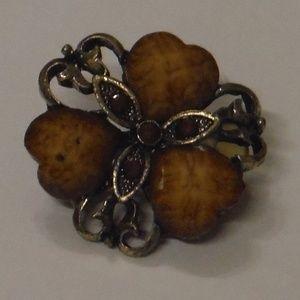 Round Vintage Style Floral Brooch